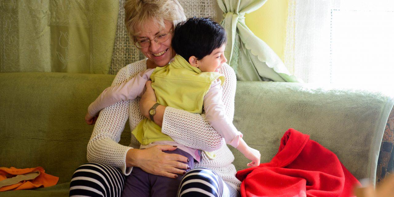 Nevelőszülőket keres az SOS Gyermekfalvak