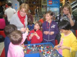 Az Allee a jövő generációért: SOS gyermekfalu és LEGO kiállítás