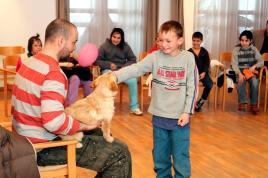 Gyerekek és kutyák testközelben