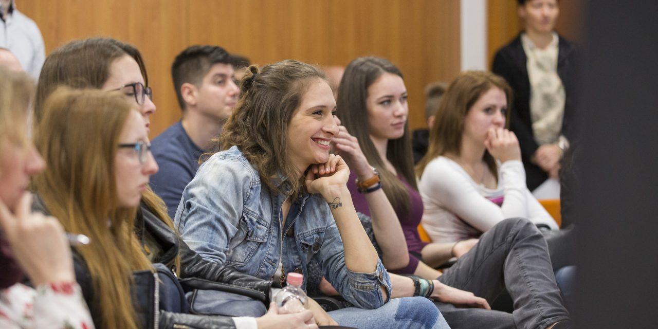 Hogyan segítsük a fiatalok pályaválasztását?