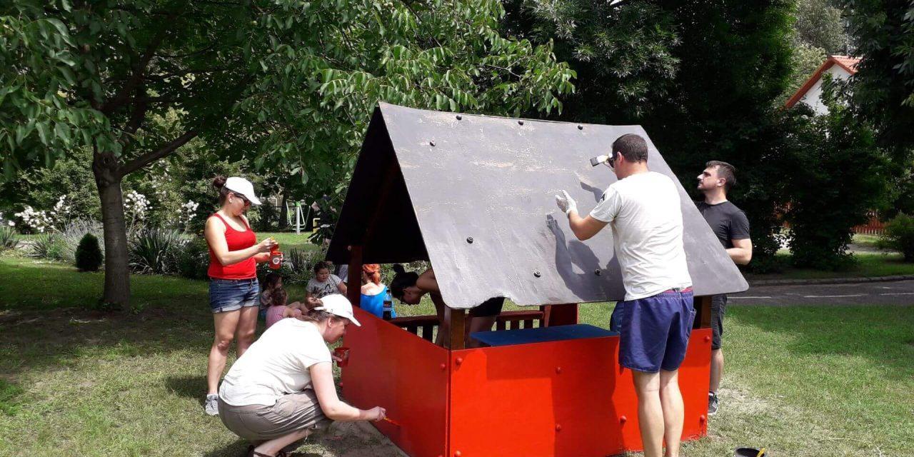 Megszépítették az MVM Partner Zrt. munkatársai a kecskeméti gyermekfalut!