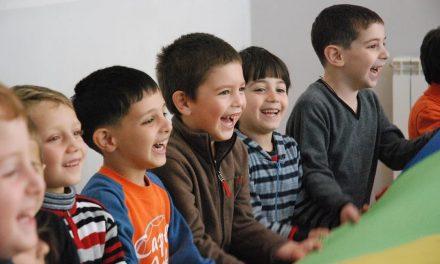 Több mint 11 millió forint adomány a szülők nélkül élő gyerekeknek